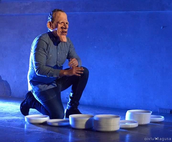 """Marco Ziello nello spettacolo """"Ofelia in The Dog Days"""" di Emanuele Tirelli, regia Alessandro Gallo"""