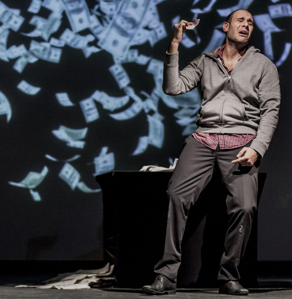 """Marco Ziello nello spettacolo """"Questione di un attimo"""" di Emanuele Tirelli, regia Alessandro Gallo"""